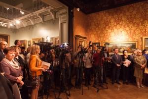 レセプションには国内外の多くのメディアが集まり、地元ウクライナのテレビ。新聞を始め、日本のNHKの朝のニュースでも取り上げられました。